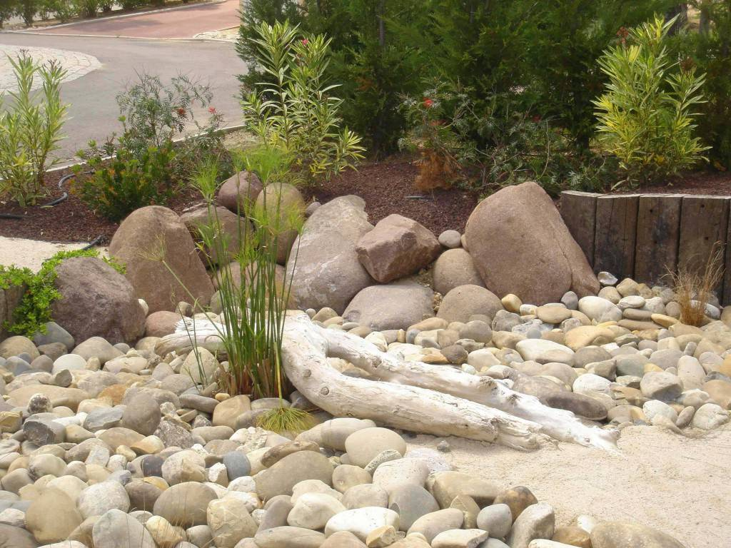 Paysagiste jardin bien l 39 entretenir pour mieux l 39 appr cier for Entretenir jardin