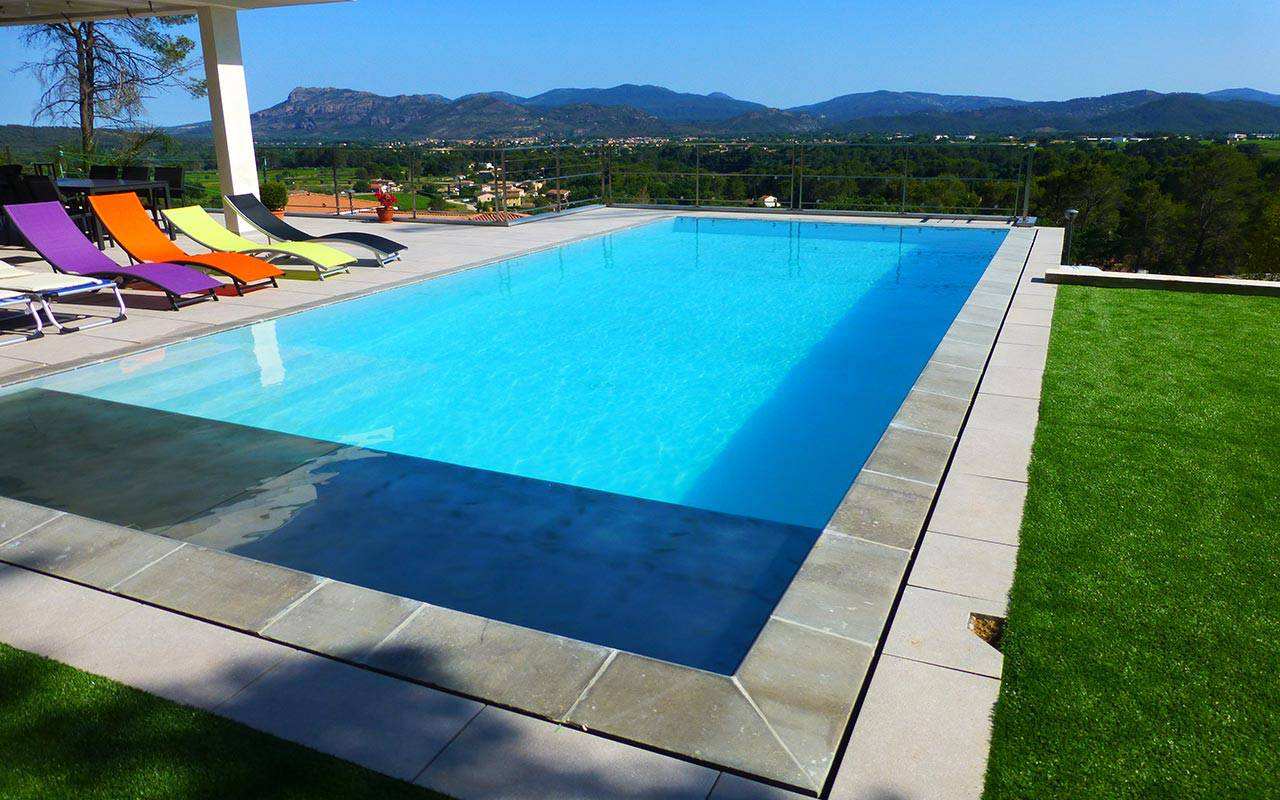 Piscine hors sol enterr e semi enterr e que choisir for Piscine hexagonale semi enterree
