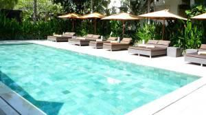 swimming-pool-249624_1920
